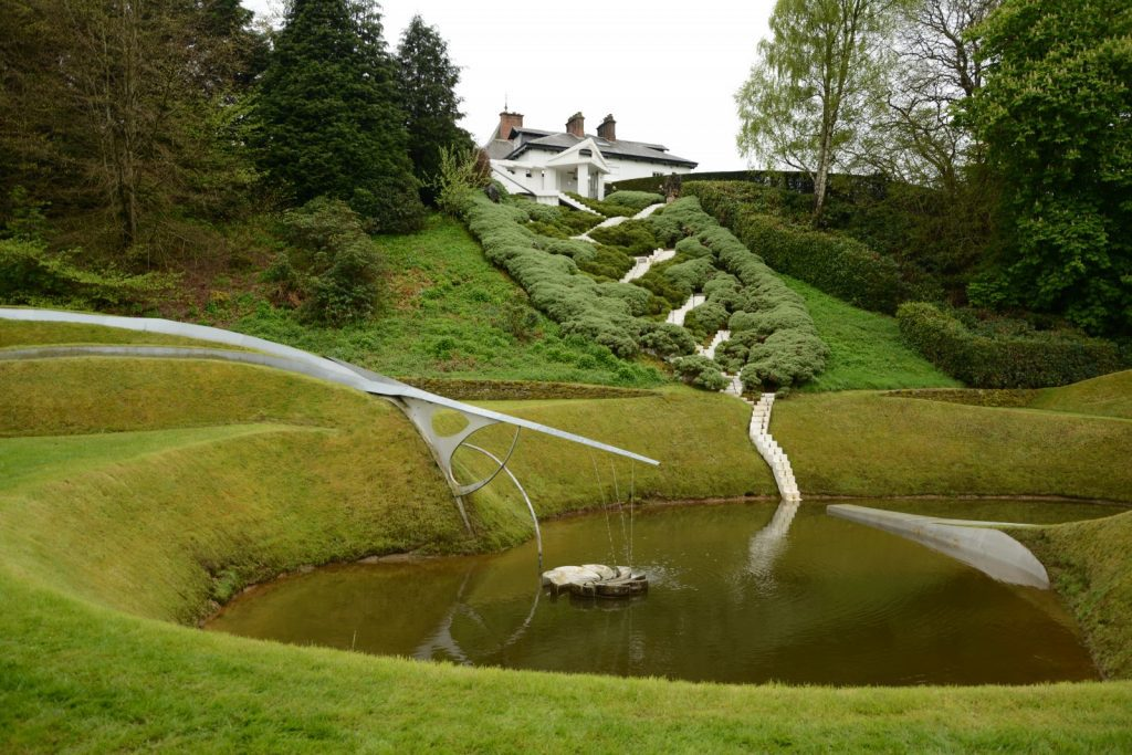 magical 39 portrack 39 garden of cosmic speculation open to public for one day in april. Black Bedroom Furniture Sets. Home Design Ideas