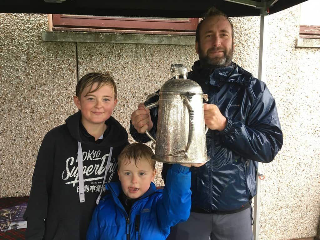 Hundreds Turn Out To Meet And Greet Rugbys Shining Star At Greenlaw