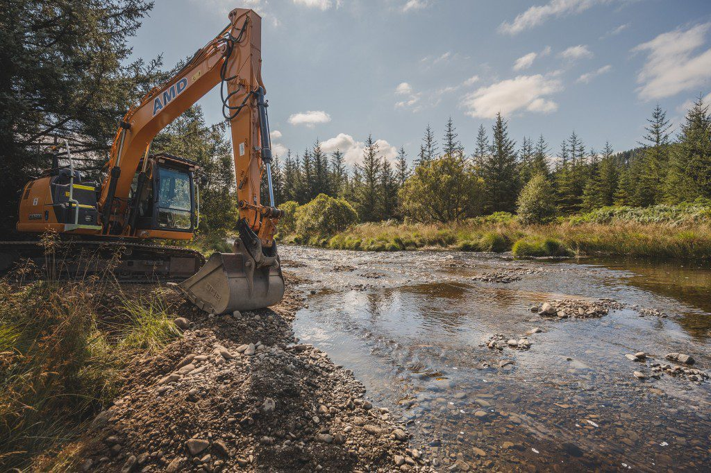 Innovative project gets underway to support fish populations in the Black Water of Dee